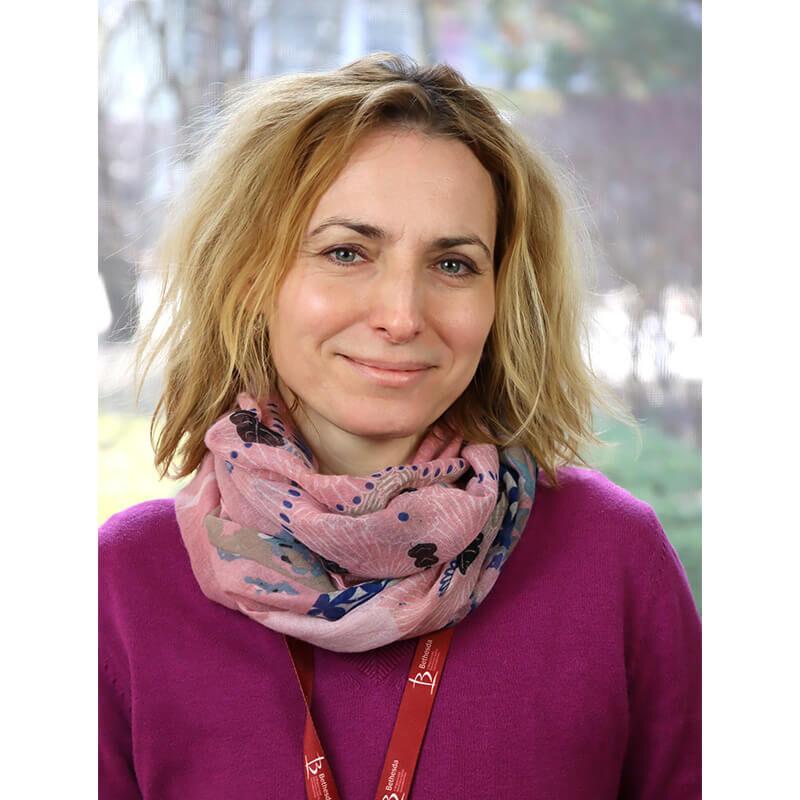 Dr. Mészáros Andrea