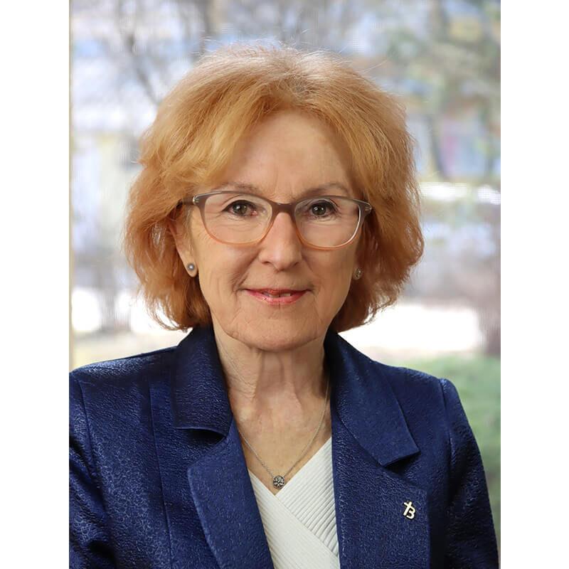 Dr. Mikos Borbála