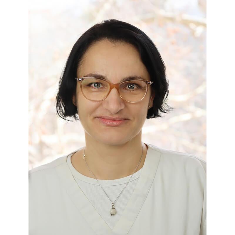 Dr. Patócs Barbara