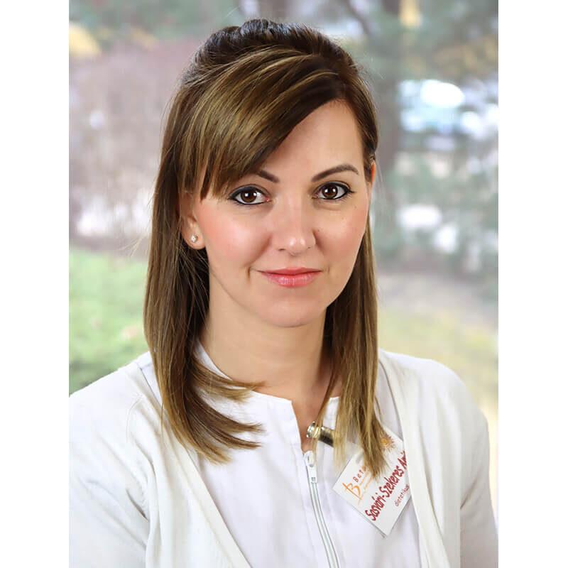 Sasvári-Szekeres Anita