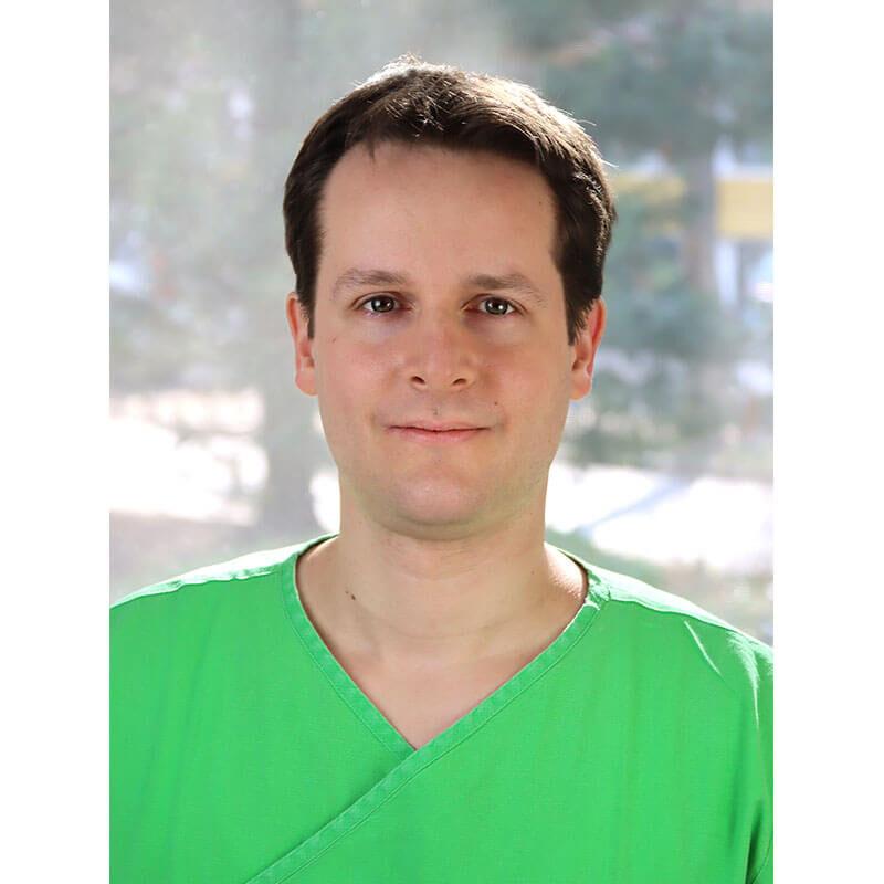 Dr. Kováts Dávid