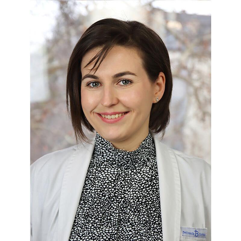 Dr. Deák-Sala Júlia