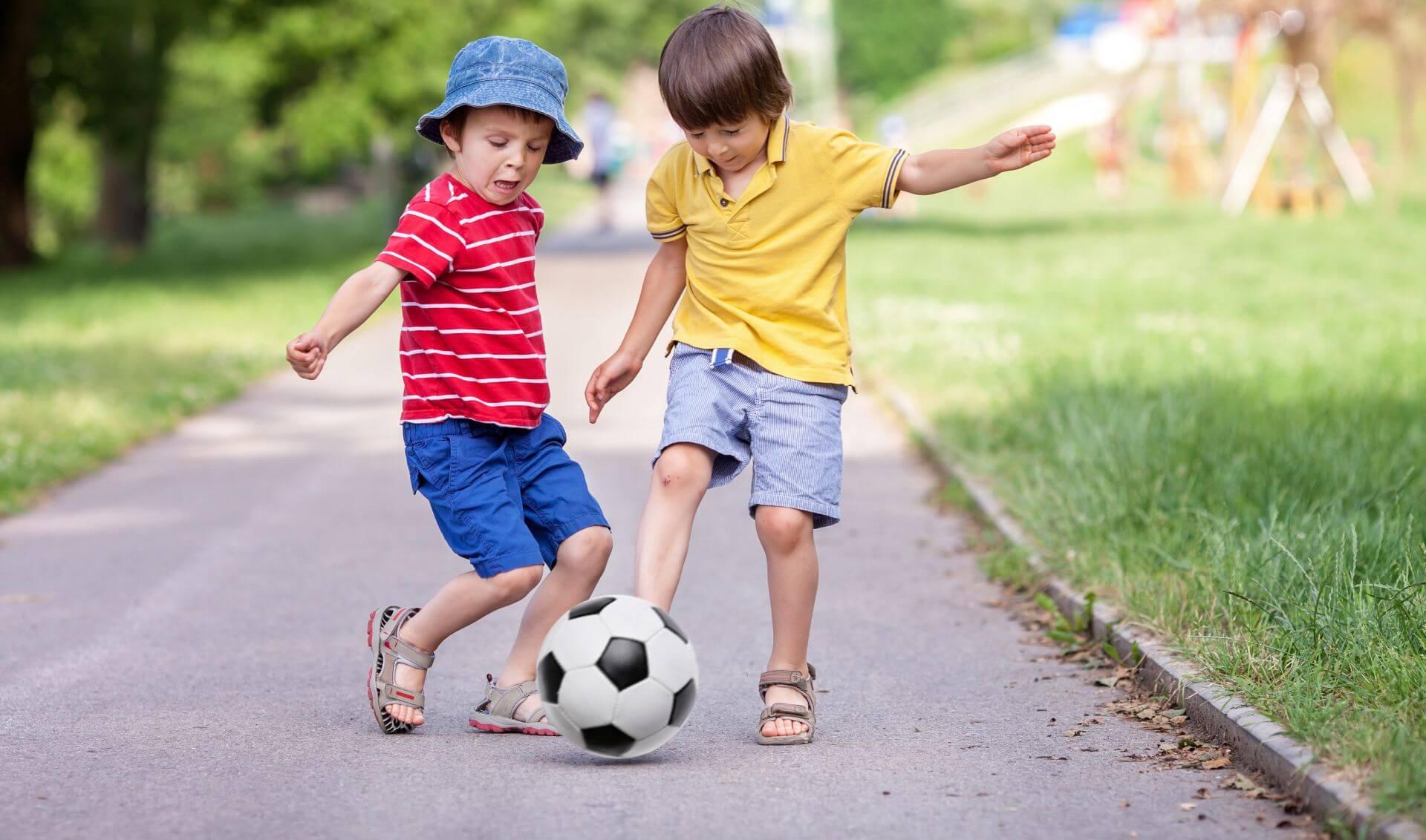Sportorvos - Focizó gyerekek