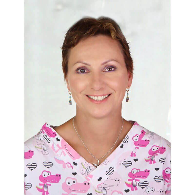Dr. Szabó Liza